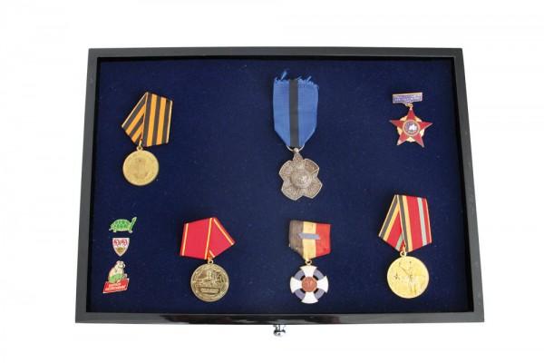 Tiroir pour insignes et décorations