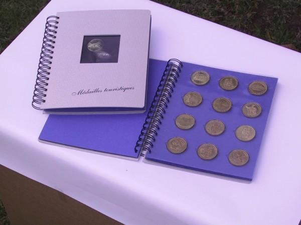 Classeur pour 48 médailles Monnaie de Paris